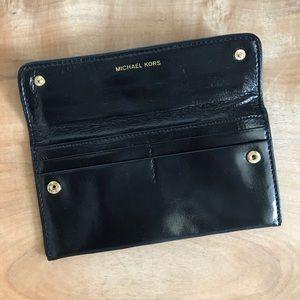 Micheal Kors Pocket Book Clutch Wallet